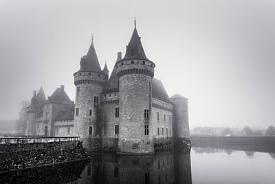 Water Castle - p248m1104483 by BY