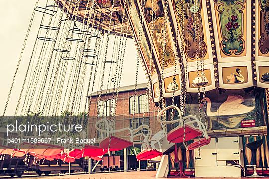 Kettenkarussell - p401m1589667 von Frank Baquet
