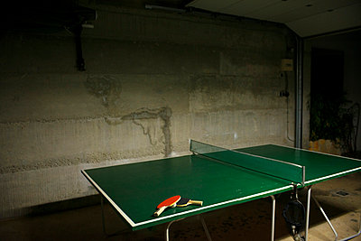 Table tennis - p427m865993 by Ralf Mohr
