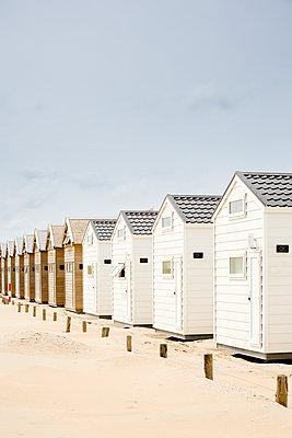 Strandhäuser in einer Reihe - p1032m1139034 von Fuercho