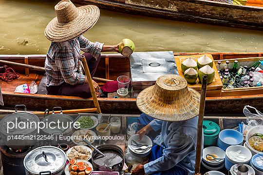 Floating market  - p1445m2122546 by Eugenia Kyriakopoulou