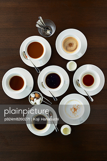 Still life with selection of coffees in cups - p924m826027f by Koji Hanabuchi
