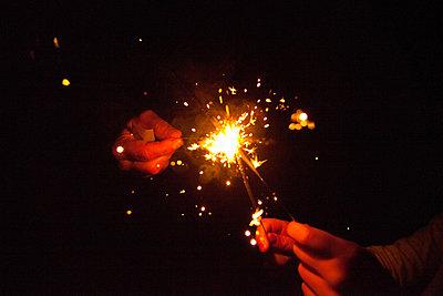 sparklers, fireworks, celebration, - p694m811116 by Jack Wolford