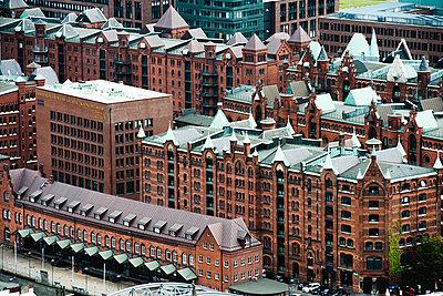 Blick auf Speicherstadt von Nikolaikirche, Hamburg II - p1493m1584687 von Alexander Mertsch