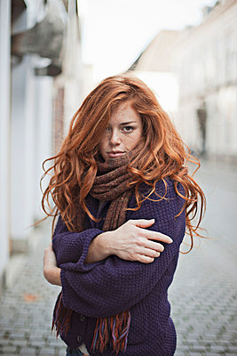 Woman with red hair - p586m695089 by Kniel Synnatzschke