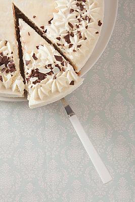 Cream cake, please - p454m1028030 by Lubitz Dorner