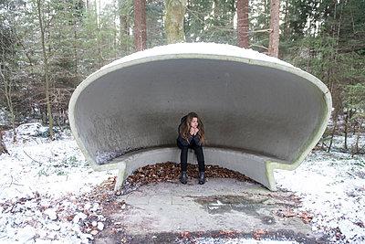 Im Bushäuschen - p310m1442064 von Astrid Doerenbruch