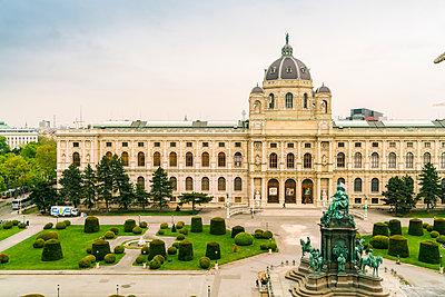 Kunsthistorisches Museum in Wien und der Maria-Theresien-Platz  - p1332m1488218 von Tamboly