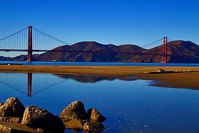 Golden Gate Bridge - p1399m1528871 by Daniel Hischer