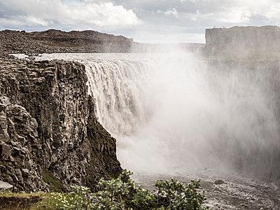 Wasserfall - p362m1541442 von André Wagner