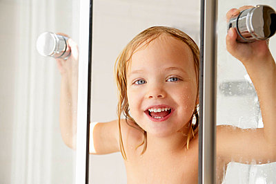 Girl popping out of the shower - p4294961f by Ghislain & Marie David de Lossy