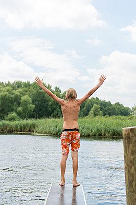 Sommerferien, Stolzenhagener See - p949m929305 von Frauke Schumann