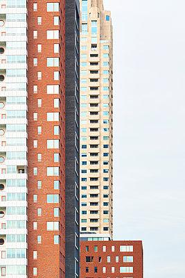 Multicoloured housing blocks - p587m1155096 by Spitta + Hellwig