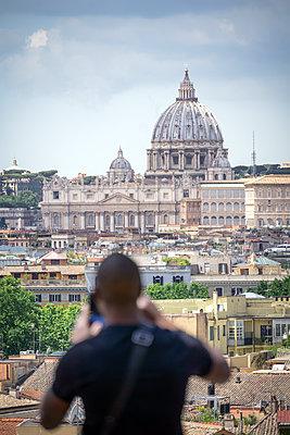 Tourist in Rome - p1275m2100035 by cgimanufaktur