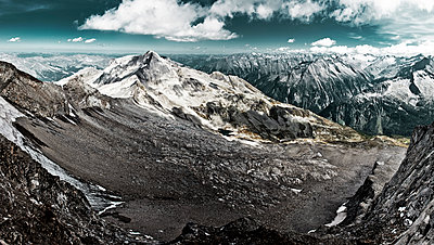Zillertal Alps - p1275m1511154 by cgimanufaktur