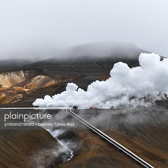Hot steam, geothermal power station, Iceland - p1624m2195962 by Gabriela Torres Ruiz