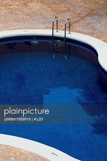 Pool - p958m1559519 von KL23