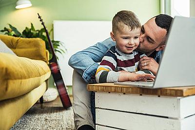 deutschland,mannheim,lifestyle,people,family,zuhause - p300m2286939 von Uwe Umstätter