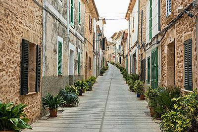 Historic centre of Alcudia, Majorca, Balearic Islands, Spain - p1316m1422611 by Daniel Schoenen