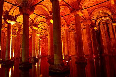 Istanbul Unterwelt, Zisterne, Sarayi - p1259m1064555 von J.-P. Westermann