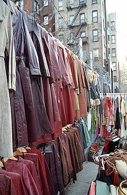 Flohmarkt in NY - p4140201 von Volker Renner