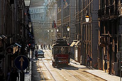 Portugal, Lisboa, Baixa, electrico on the way - p300m2213665 by Ingo Bartussek