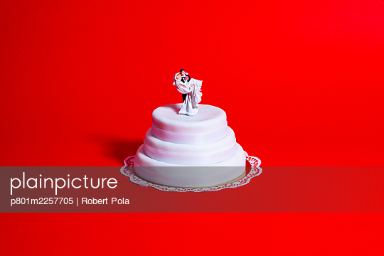 Wedding cake - p801m2257705 by Robert Pola