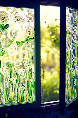 Fenster Gartenlaube offen - p1312m1177002 von Axel Killian