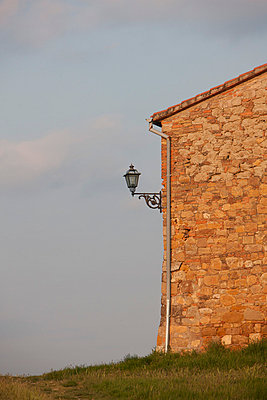 Italienisches Landhaus - p7980152 von Florian Löbermann