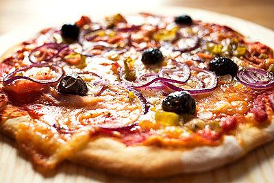 Selbtgebackene Pizza - p1386m1452221 von beesch