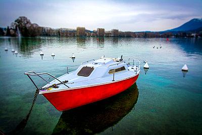 Small boat moored - p813m1123779 by B.Jaubert