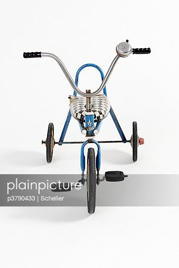 Altes Dreirad - p3790433 von Scheller