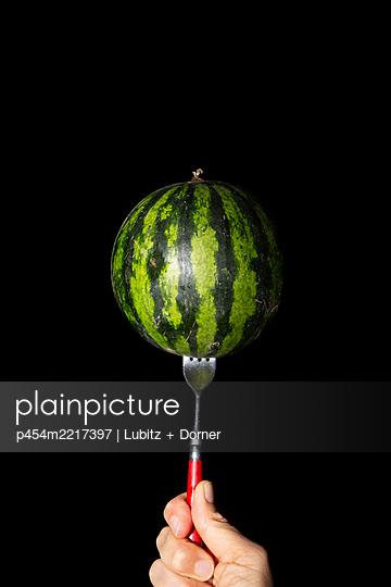 Ganze Frucht - p454m2217397 von Lubitz + Dorner