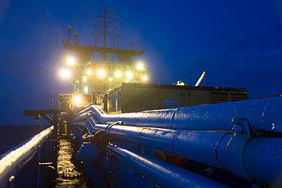 Spezialschiff im Einsatz - p1079m1123394 von Ulrich Mertens