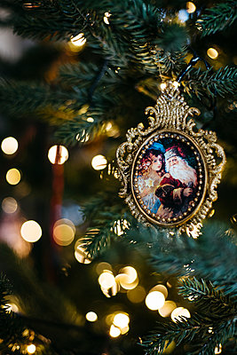 Ornament in the christmas tree - p1621m2231157 by Anke Doerschlen