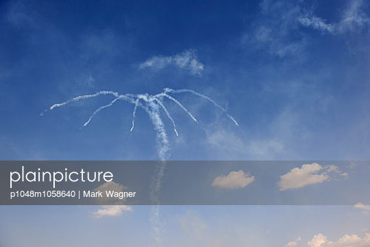 Dubai Airshow - p1048m1058640 by Mark Wagner