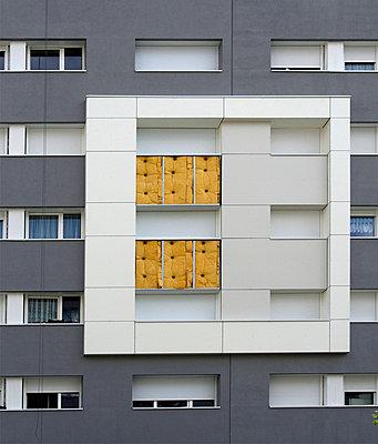 Insulation of the facade - p813m925751 by B.Jaubert