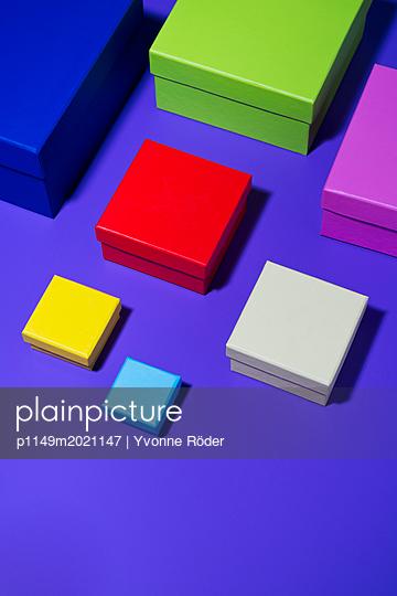 Bunte Schachteln - p1149m2021147 von Yvonne Röder
