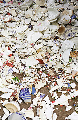 Pile of porcelain shard - p0041645 by Normal