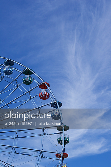 Maailmanpyörä, Freizeitpark - p1242m1158971 von teijo kurkinen