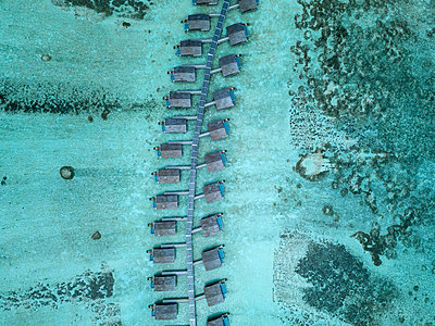 Maldives, Aerial view of water bungalows - p300m2024149 by Konstantin Trubavin