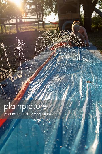 Im Garten - p236m2020670 von tranquillium