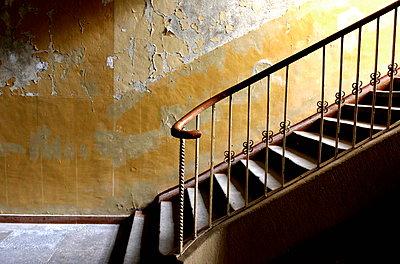 Treppe zur Nostalgie - p1268m1093910 von Mastahkid