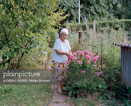 Gärtnerin - p1320m1155005 von Matija Brumen