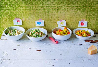 Lunch in the preschool  - p1053m1559707 by Joern Rynio
