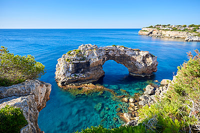 Rock formation, Es Pontas, Mallorca - p885m2177927 by Oliver Brenneisen