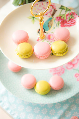 Macarons - p936m939707 by Mike Hofstetter