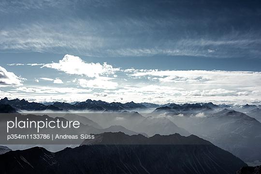 Blick auf das Nebelhorn - p354m1133786 von Andreas Süss