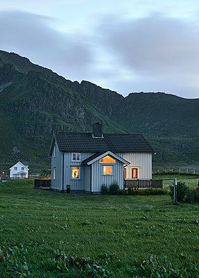 Haus auf den Lofoten - p1124m1165690 von Willing-Holtz