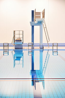 Indoor swimming pool - p148m2111287 by Axel Biewer